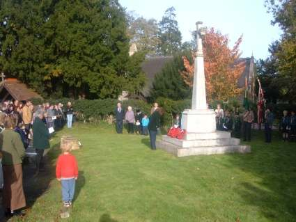 Rememberance Sunday 2006 - LET US REMEMBER